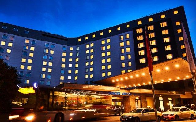 Steigenberger Airport Hotel вид на фасад