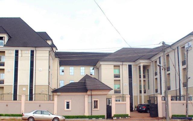 Отель Ritz-Carinton Suites Нигерия, Энугу - отзывы, цены и фото номеров - забронировать отель Ritz-Carinton Suites онлайн вид на фасад
