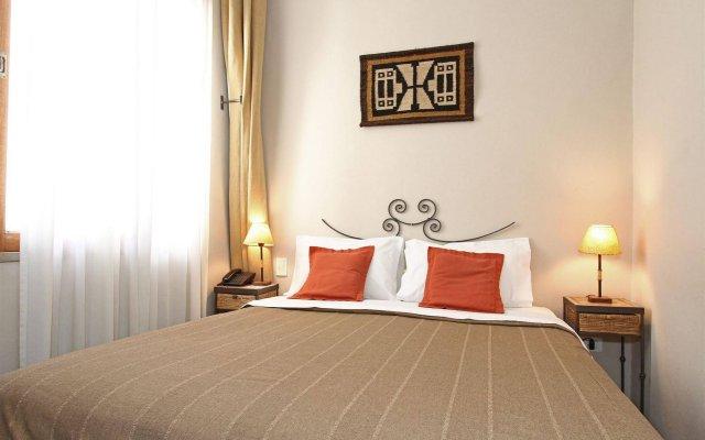 A Hotel 2