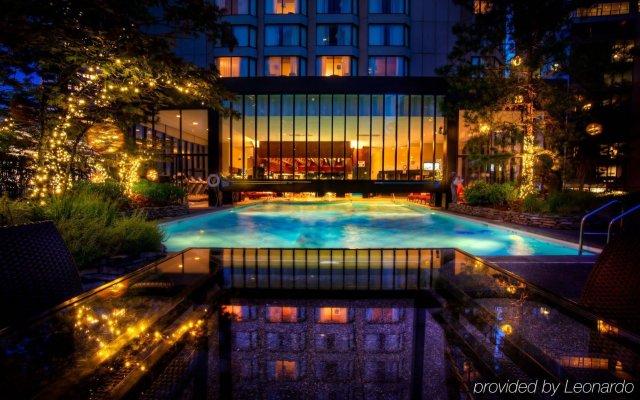 Отель Four Seasons Hotel Vancouver Канада, Ванкувер - отзывы, цены и фото номеров - забронировать отель Four Seasons Hotel Vancouver онлайн вид на фасад