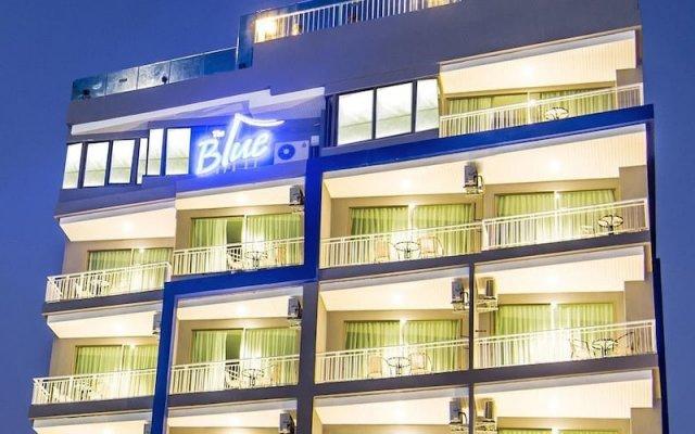 Отель The Blue вид на фасад