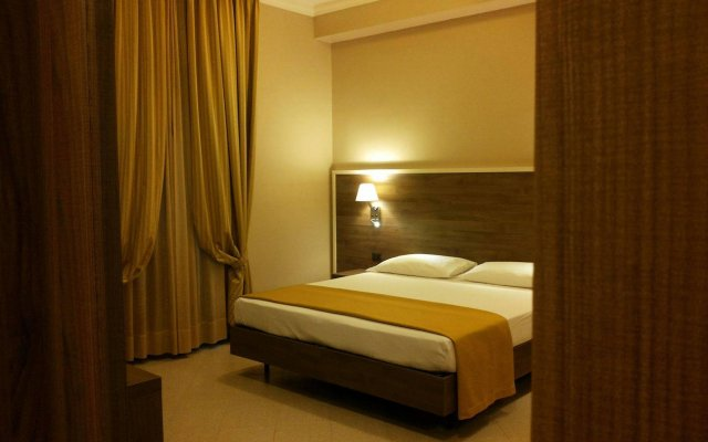 Hotel Moderno Бари комната для гостей