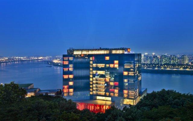 Отель W Seoul Walkerhill вид на фасад