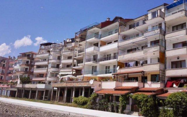 Отель Еви 1 Болгария, Поморие - отзывы, цены и фото номеров - забронировать отель Еви 1 онлайн вид на фасад