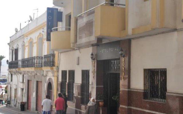 Отель Royal Марокко, Танжер - отзывы, цены и фото номеров - забронировать отель Royal онлайн вид на фасад