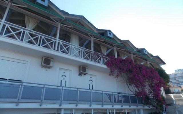 Hotel Nertili вид на фасад
