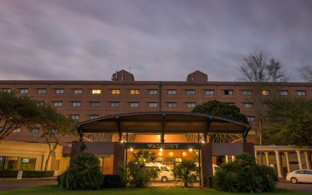 Отель Peermont Walmont Ambassador At The Grand Palm Габороне вид на фасад