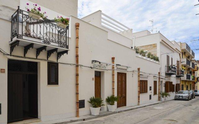 Отель TAM Casa Vacanze Италия, Чинизи - отзывы, цены и фото номеров - забронировать отель TAM Casa Vacanze онлайн вид на фасад