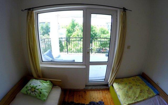 Отель Funky Monkey Hostel Болгария, Пловдив - отзывы, цены и фото номеров - забронировать отель Funky Monkey Hostel онлайн комната для гостей