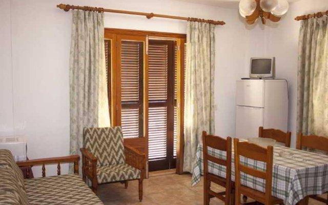 Отель Apartamentos La Cabanya комната для гостей