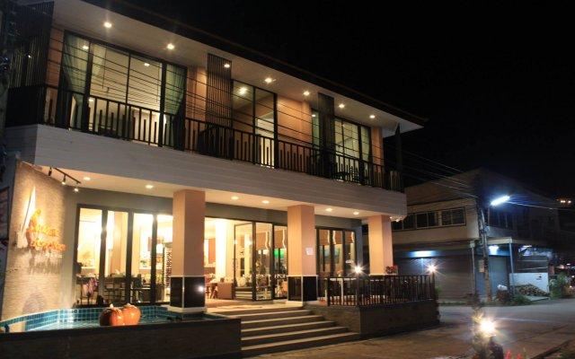 Отель Saranya River House вид на фасад