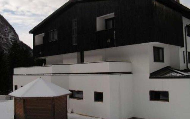 Hotel Canin Кьюзафорте вид на фасад