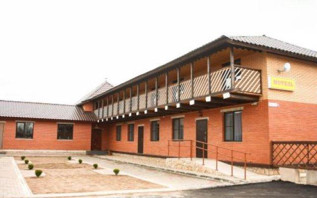 Гостиница Motel Voyazh в Печорах отзывы, цены и фото номеров - забронировать гостиницу Motel Voyazh онлайн Печоры вид на фасад