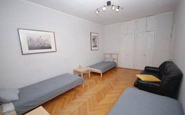 Iris Hostel комната для гостей