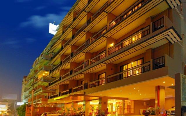 Pattaya Loft Hotel вид на фасад