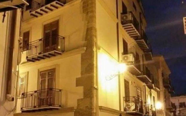 Отель Casa Vacanze Papyri вид на фасад
