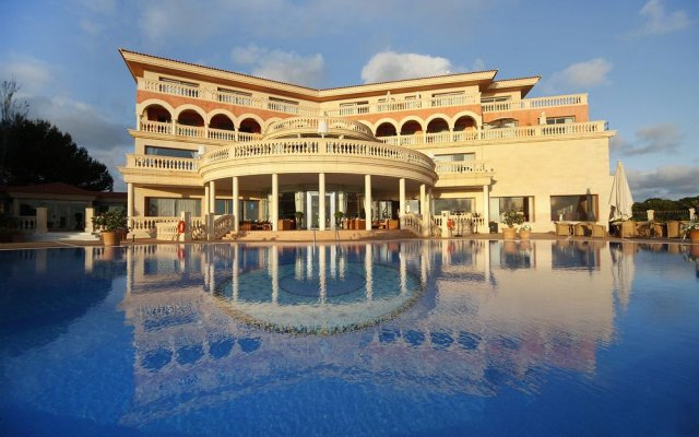 Port Adriano Marina Golf & Spa Hotel вид на фасад