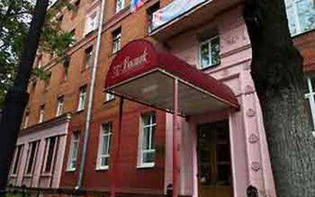 Гостиница Восток вид на фасад