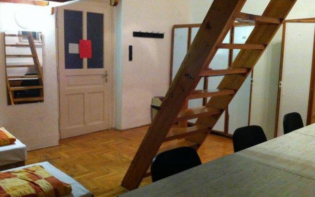 Season Hostel 2 Будапешт комната для гостей