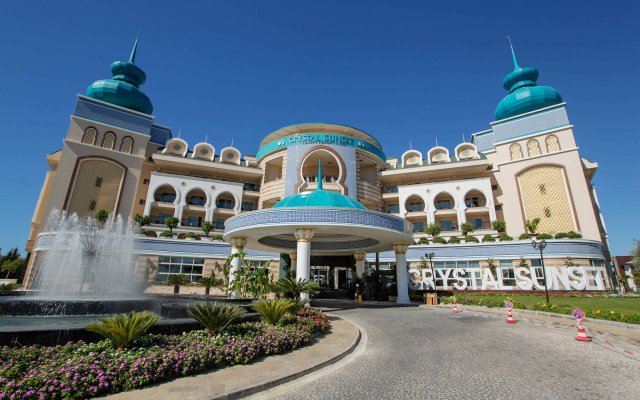 Crystal Sunset Luxury Resort & Spa Турция, Сиде - 1 отзыв об отеле, цены и фото номеров - забронировать отель Crystal Sunset Luxury Resort & Spa - All Inclusive онлайн вид на фасад