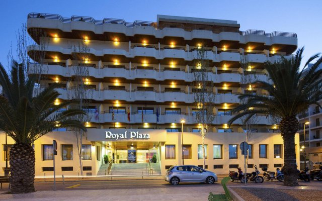Hotel Royal Plaza вид на фасад