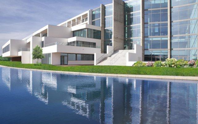 Отель Algarve Race Resort Hotel Португалия, Портимао - отзывы, цены и фото номеров - забронировать отель Algarve Race Resort Hotel онлайн вид на фасад