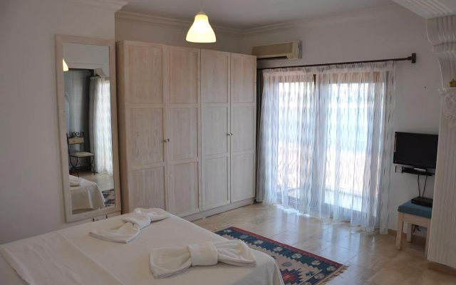 Caretta Hotel комната для гостей