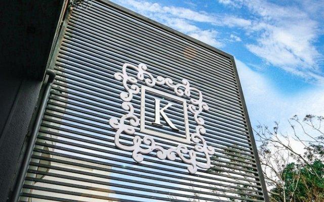Отель Kestrels Colombo вид на фасад