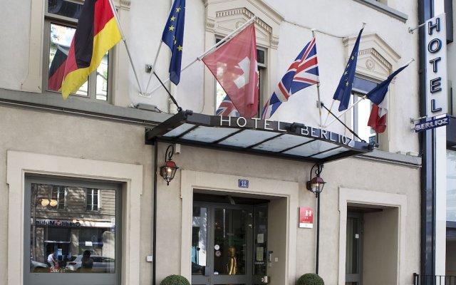 Отель Hôtel Berlioz вид на фасад