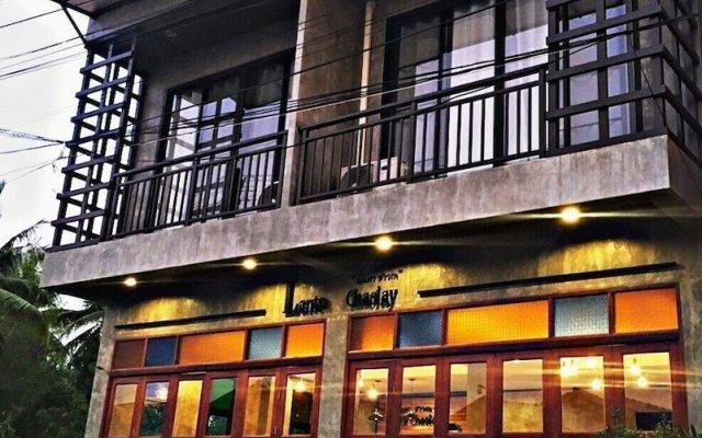Lanta Chaolay Hostel вид на фасад