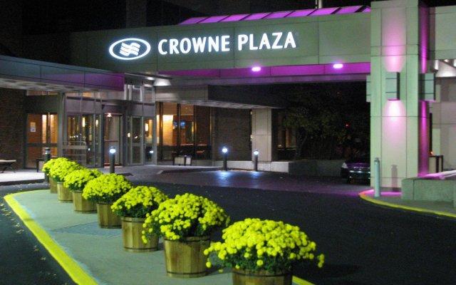 Отель Crowne Plaza Gatineau-Ottawa Канада, Гатино - отзывы, цены и фото номеров - забронировать отель Crowne Plaza Gatineau-Ottawa онлайн вид на фасад
