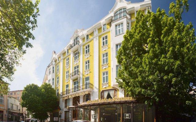 Отель Grand Hotel London Болгария, Варна - 1 отзыв об отеле, цены и фото номеров - забронировать отель Grand Hotel London онлайн вид на фасад
