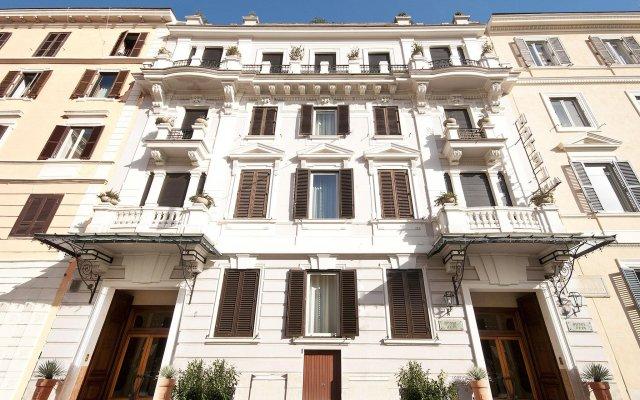 Hotel Alpi вид на фасад