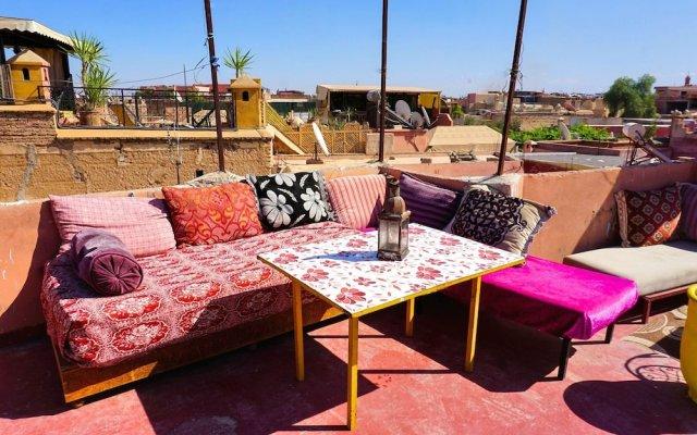 Отель Hostel Kif-Kif Марокко, Марракеш - отзывы, цены и фото номеров - забронировать отель Hostel Kif-Kif онлайн вид на фасад
