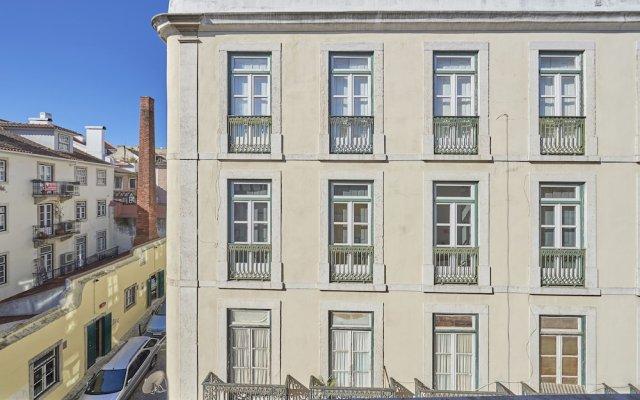 Отель Salgadeiras Suites вид на фасад