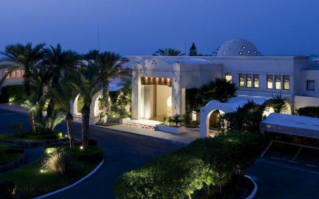 Отель Sentido Djerba Beach - Все включено Тунис, Мидун - 1 отзыв об отеле, цены и фото номеров - забронировать отель Sentido Djerba Beach - Все включено онлайн вид на фасад