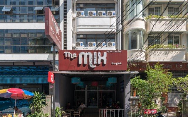 Отель The Mix Bangkok - Silom Бангкок вид на фасад