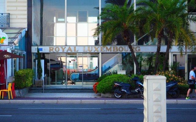 Отель Nice Booking - Royal Luxembourg Piscine Ницца вид на фасад