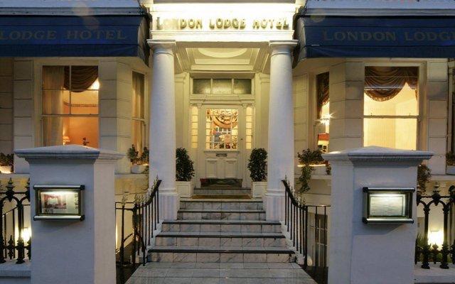 London Lodge Hotel вид на фасад
