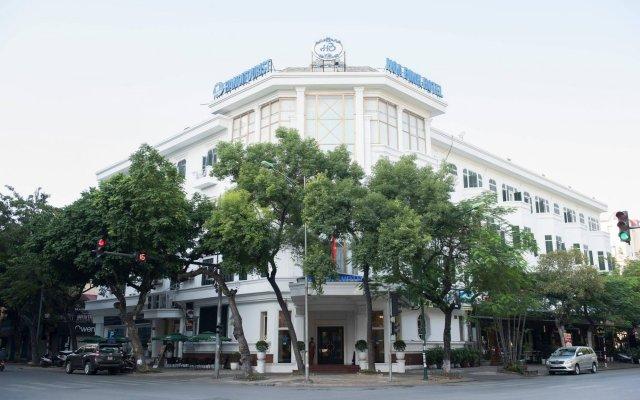 Hoa Binh Hotel вид на фасад