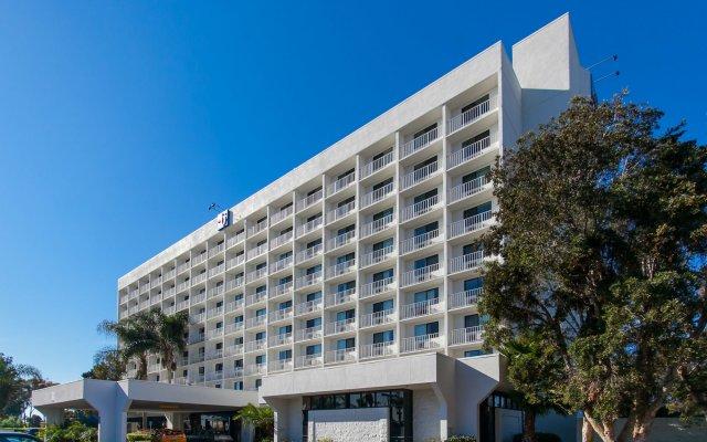 Отель Motel 6 Los Angeles, CA - Los Angeles - LAX США, Инглвуд - отзывы, цены и фото номеров - забронировать отель Motel 6 Los Angeles, CA - Los Angeles - LAX онлайн вид на фасад
