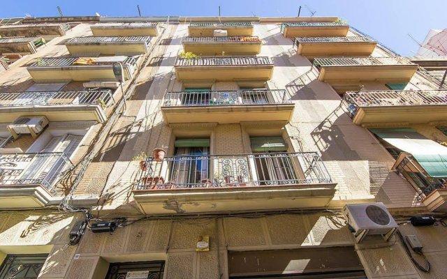 Отель Apartamentos Alejandro Барселона вид на фасад