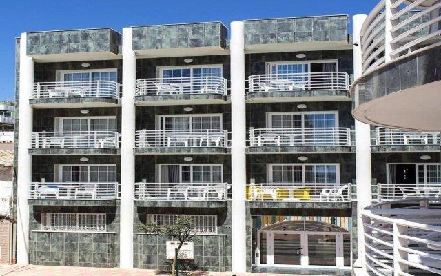 Отель Villa de Laredo Испания, Фуэнхирола - отзывы, цены и фото номеров - забронировать отель Villa de Laredo онлайн вид на фасад