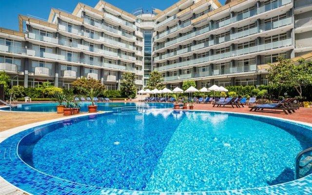 Отель Perla Солнечный берег вид на фасад