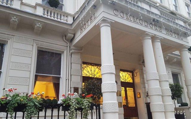 Отель Commodore Лондон вид на фасад