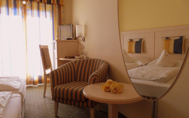 Hotel Der Heinrichshof Лагундо комната для гостей