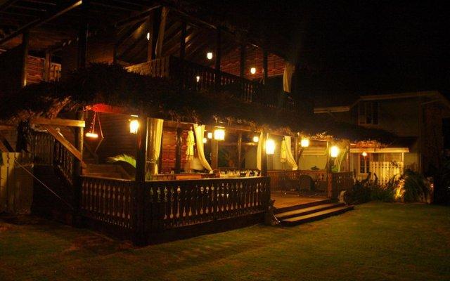 Отель Golden Cove Resort вид на фасад
