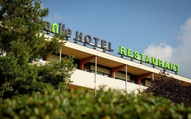 Отель Campanile Hotel Vlaardingen Нидерланды, Влардинген - отзывы, цены и фото номеров - забронировать отель Campanile Hotel Vlaardingen онлайн вид на фасад