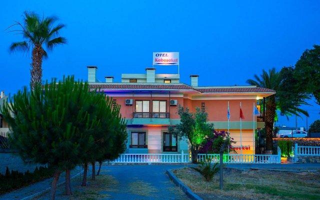Отель Otel Kabasakal Чешме вид на фасад