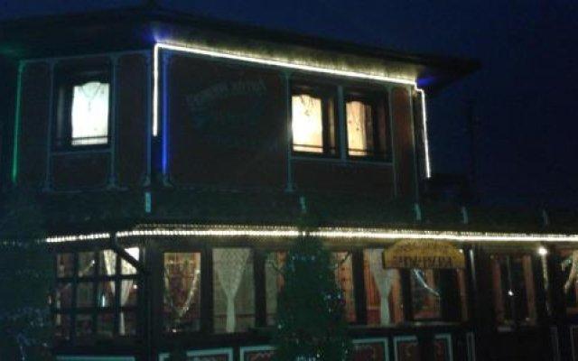 Chuchura Family Hotel вид на фасад